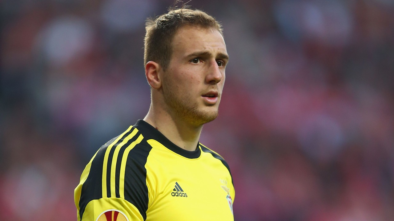 Jan Oblak 2017 Haircut Beard Eyes Weight Measurements