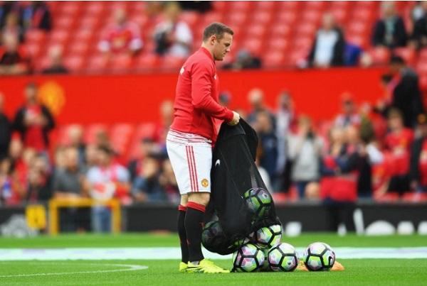 Photo: Wayne Rooney has found new job at Old Trafford