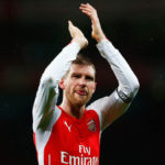 Done Deal: Arsenal No.4 finally agrees new contract